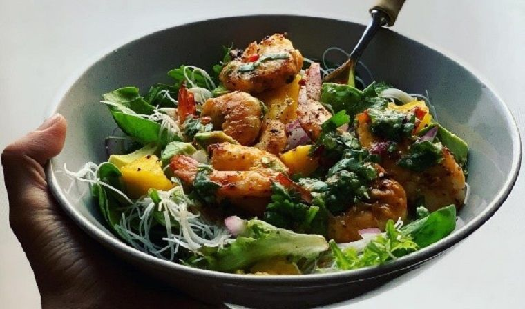 Bowl of salad with prawns